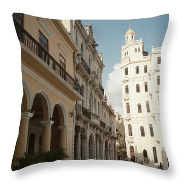 Havana Vieja Throw Pillow