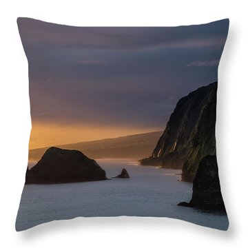 Hawaii Sunrise At The Pololu Valley Lookout Throw Pillow by Larry Marshall