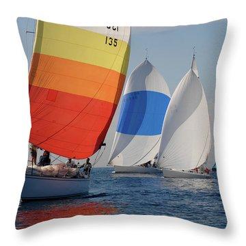 Heading Towind Windward Mark Throw Pillow
