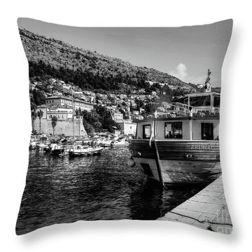 Heart Of The Harbour Throw Pillow