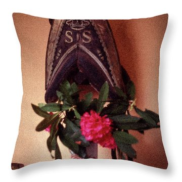 Helmet And Flower Throw Pillow