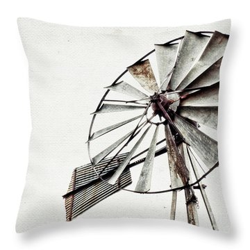 Hilde Ranch Throw Pillow
