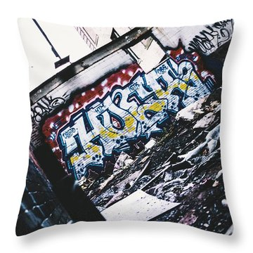 Hoer Throw Pillow