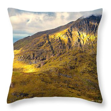 Holandsmelen North Throw Pillow