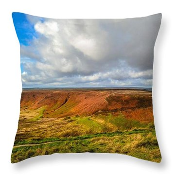 Hole Of Horcum, North York Mores, Yorkshire, United Kingdom Throw Pillow