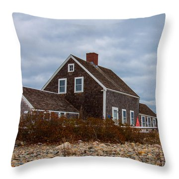 Holiday Wreath On The Lighthouse Throw Pillow