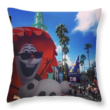 Olafs Vacation  Throw Pillow