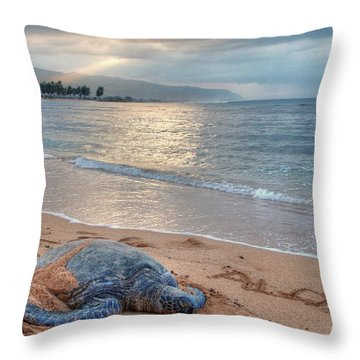 Honu Welcome Throw Pillow