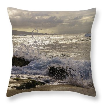 Throw Pillow featuring the photograph Ho'okipa Beach Maui by Janis Knight