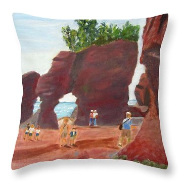 Throw Pillow featuring the painting Hopewell Rocks2 by Linda Feinberg