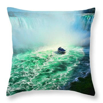 Horseshoe Falls Niagara Throw Pillow