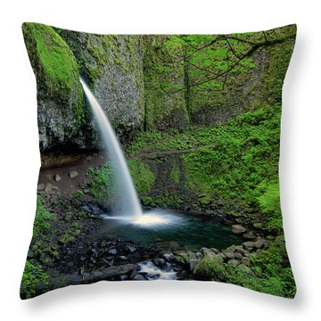 Horsetail Falls Waterfall Art By Kaylyn Franks Throw Pillow