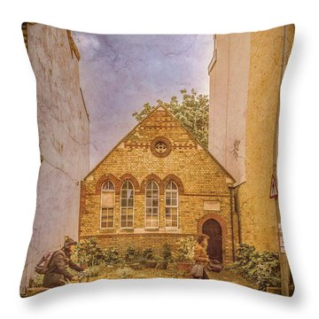 Oxford, England - House On Walton Street Throw Pillow