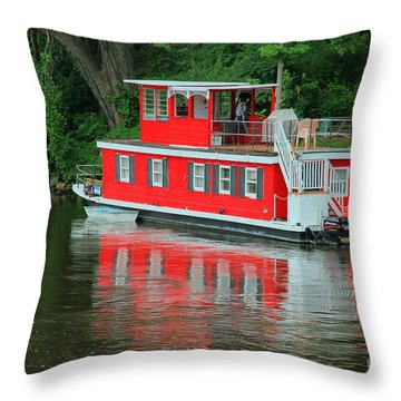 Houseboat On The Mississippi River Throw Pillow