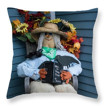 How To Scare Crows Throw Pillow