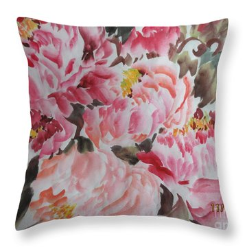 Hp11192015-0755 Throw Pillow by Dongling Sun