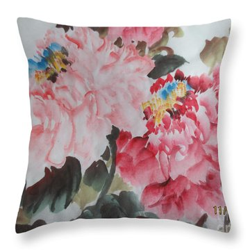 Throw Pillow featuring the painting Hp11192015-0760 by Dongling Sun