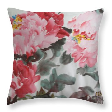 Throw Pillow featuring the painting Hp11192015-0762 by Dongling Sun