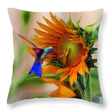 Hummingbird On Sunflower Throw Pillow