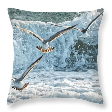 Throw Pillow featuring the photograph Hunting The Waves by Don Durfee