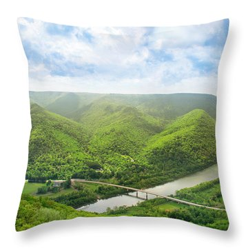 Hyner View State Park Throw Pillow