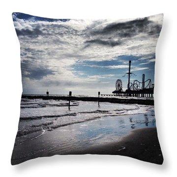 I <3 The Ocean! #beach #galveston #sky Throw Pillow