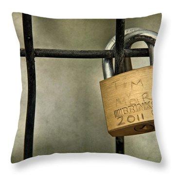 I Got You Babe Throw Pillow by Evelina Kremsdorf