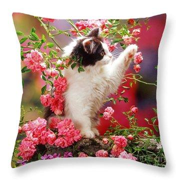 I Love Roses Throw Pillow