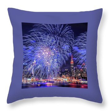 I Love This City Throw Pillow