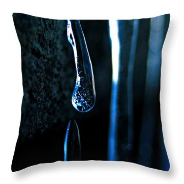Ice Formation 09 Throw Pillow
