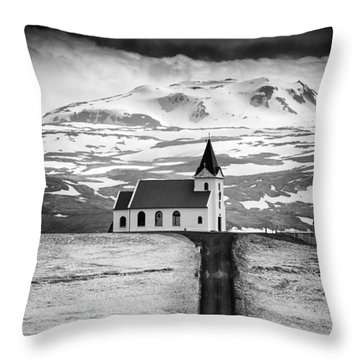 Iceland Ingjaldsholl Church And Mountains Black And White Throw Pillow