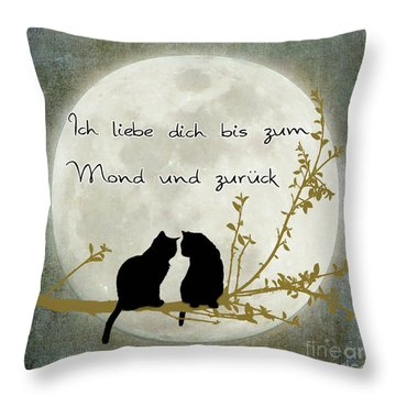 Throw Pillow featuring the digital art Ich Liebe Dich Bis Zum Mond Und Zuruck  by Linda Lees