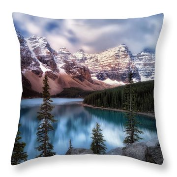 Icy Stillness Throw Pillow