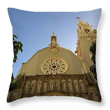 Iglesia San Jorge Throw Pillow
