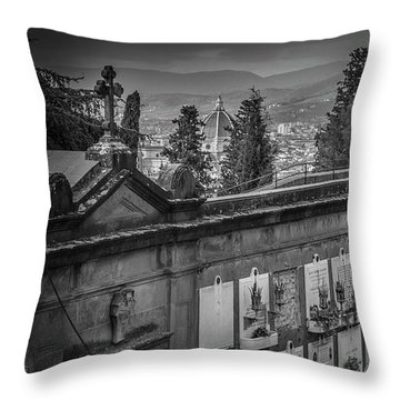 Il Cimitero E Il Duomo Throw Pillow
