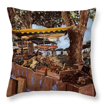 il mercato di St Paul Throw Pillow