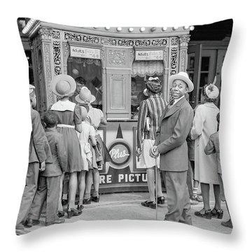 In Front Of A Movie Theater, Chicago, Illinois Throw Pillow