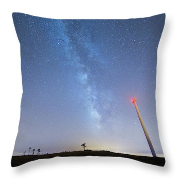 Throw Pillow featuring the photograph In The Middle by Bruno Rosa
