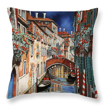 inchiostro a Venezia Throw Pillow