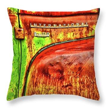 International Mcintosh Vert Throw Pillow