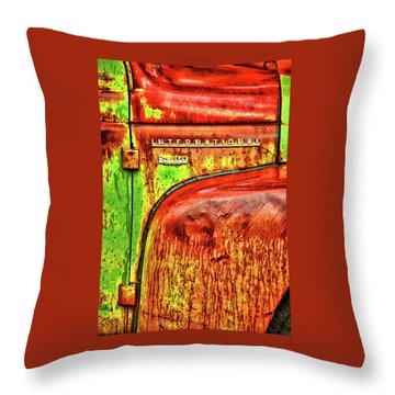 International Mcintosh Vert Throw Pillow