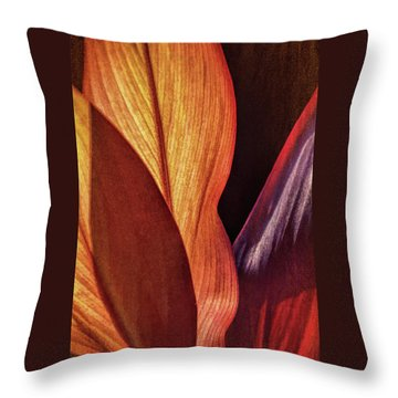 Interweaving Leaves I Throw Pillow