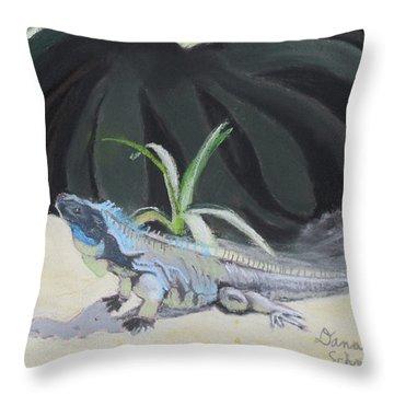 Iquana Lizard At Sarasota Jungle Throw Pillow