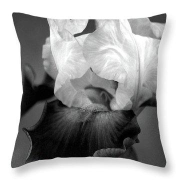 Iris 6621 H_5 Throw Pillow
