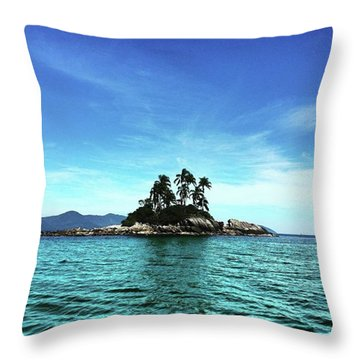 Botina Island Throw Pillow