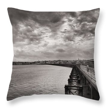 Island Panorama - Ryde Throw Pillow