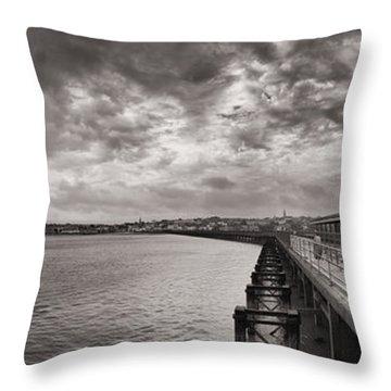 Island Panorama - Ryde Throw Pillow
