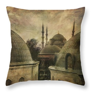 Istambul Mood Throw Pillow