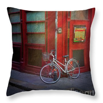 Throw Pillow featuring the photograph Italian Restaurant Bicycle by Craig J Satterlee