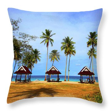 It's Real And Close Throw Pillow